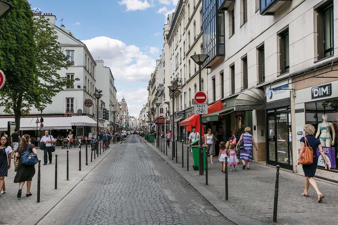 Rue du Commerce em Paris
